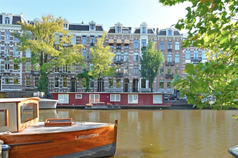 Leemstar Amsterdam Guided Canal Cruises provides in quality canal tours with personal service and local knowledge.  -  foto 2